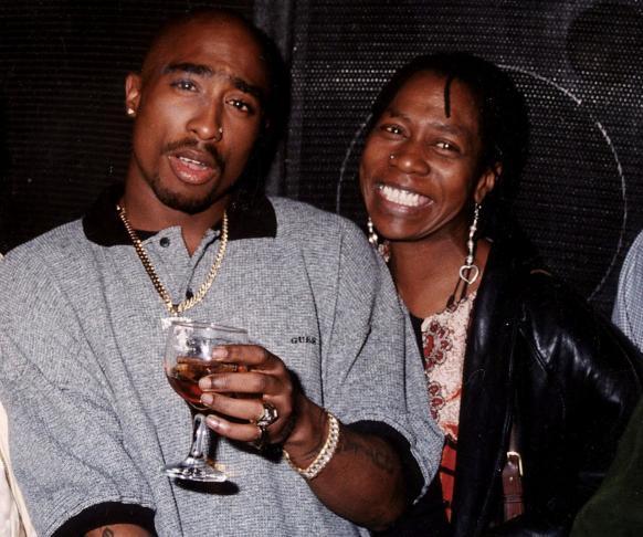 Muere la madre de Tupac Shakur, Afeni Shakur a los 69 años